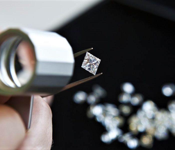 Драгоценные камни: фотолюминесцентные свойства
