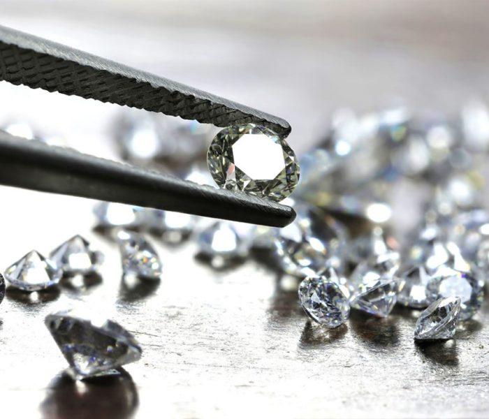 Обращение с драгоценными камнями: особенности