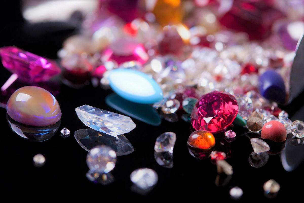 Драгоценные камни: прочность и твердость