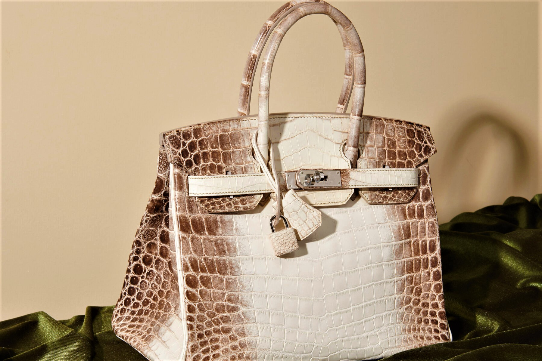 Продать сумку Hermes – образец совершенства и несменяемости моды